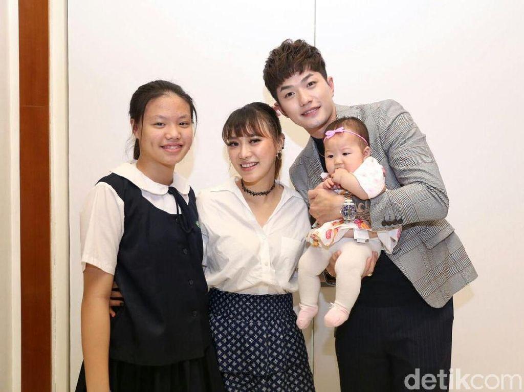 Anak Nangis Kesakitan karena Gondongan, Lee Jeong Hoon Mohon Doa