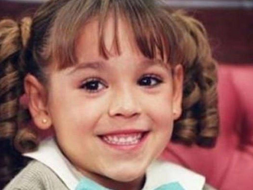 8 Potret Throwback Danna Paola, Si Maria Belen yang Makin Cantik