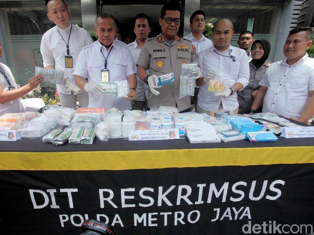 Polda Metro Jaya Sita 15.367 Obat Palsu dan Ilegal