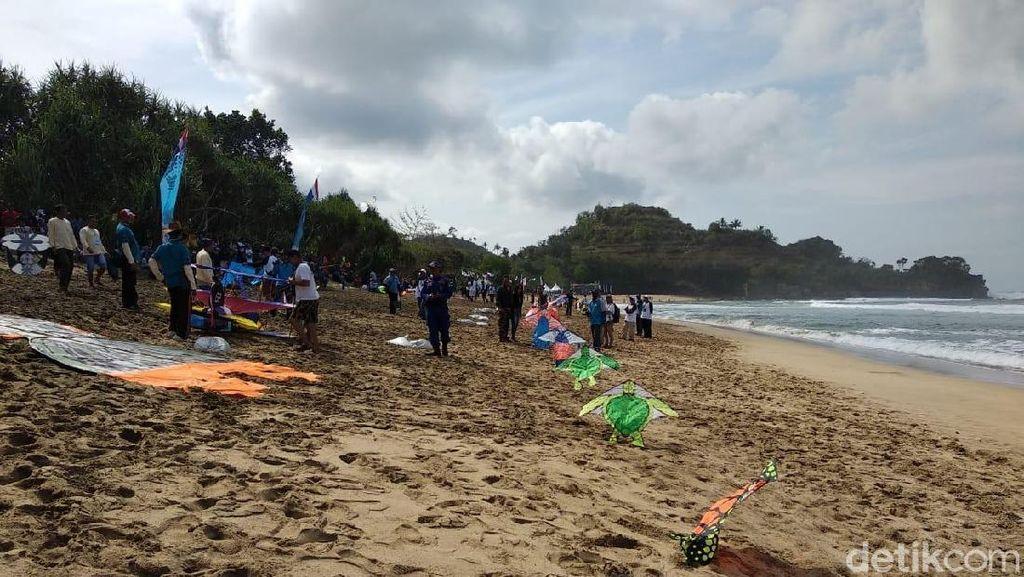 Foto: Serunya Malang Beach Festival 2018
