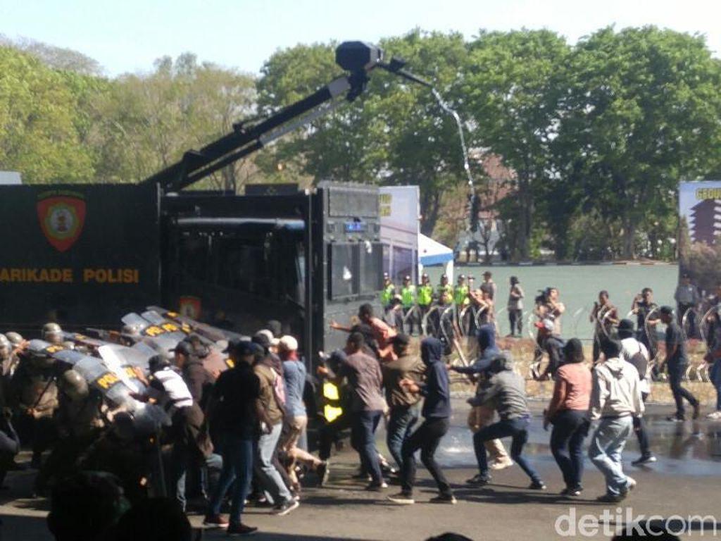 Bak Film Action, Ribuan Aparat di Jateng Bersiap Amankan Pilpres