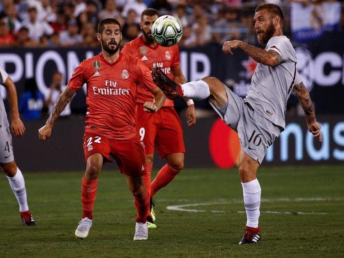 Duel Real Madrid vs AS Roma di pramusim, Agustus 2018. (Foto: Jeff Zelevansky/Getty Images)