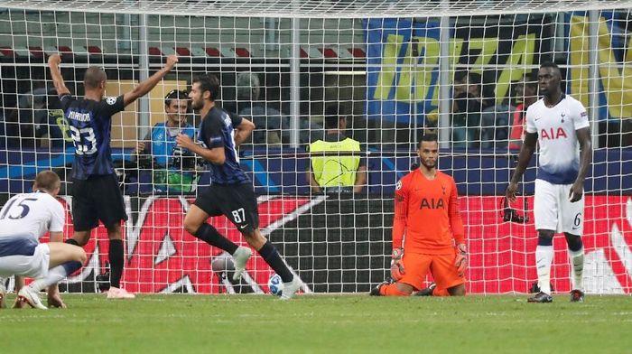 Pemain Inter Milan merayakan gol kemenangan ke gawang Tottenham Hotspur. (Foto: Stefano Rellandini/Reuters)