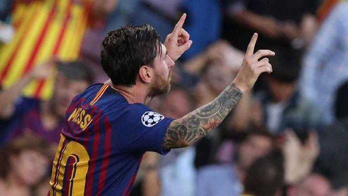 Lionel Messi mencetak hat-trick saat Barcelona mengalahkan PSV Eindhoven 4-0 di matchday 1 Liga Champions (Foto: Albert Gea/Reuters)