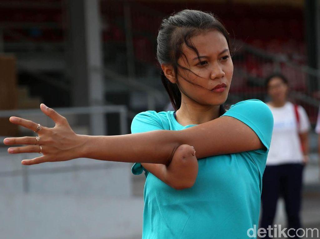 Solo Hujan Deras, Atlet Atletik Asian Para Games Latihan di Tribune