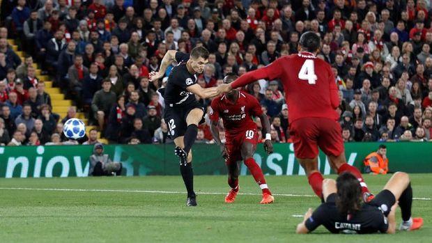 Thomas Meunier mengalami gegar otak ringan usai PSG menang 1-0 atas Bordeaux.