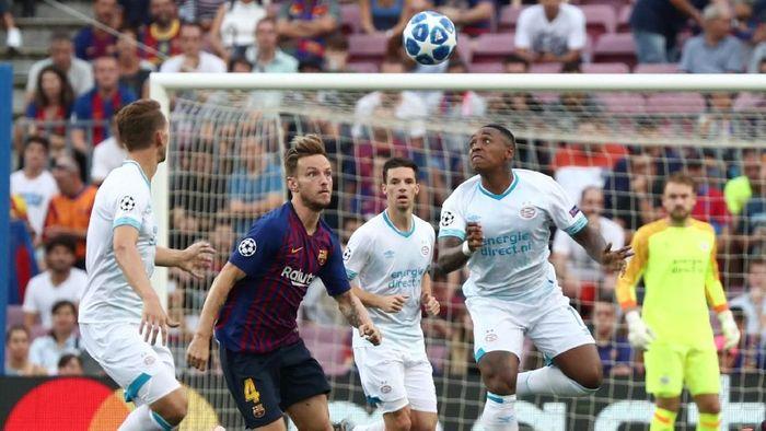 Meski kalah telak dari Barcelona, PSV Eindhoven tak perlu malu (REUTERS/Sergio Perez)