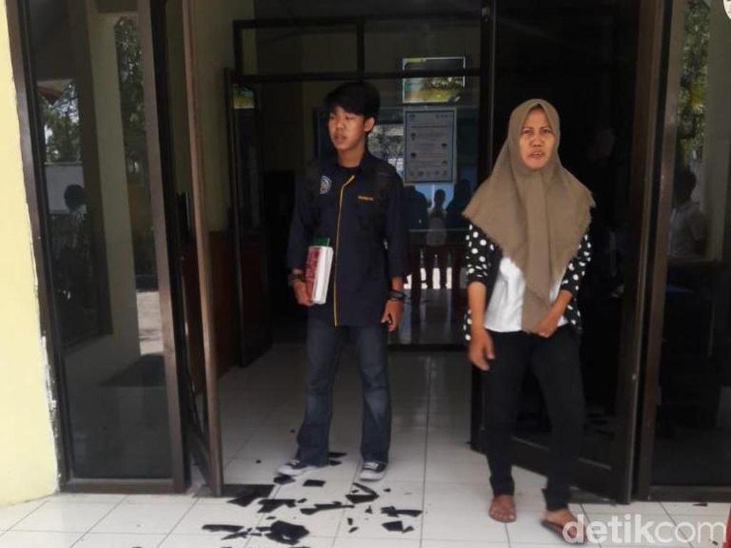PNS Disdik Makassar Mabuk dan Rusak Kantornya Sendiri