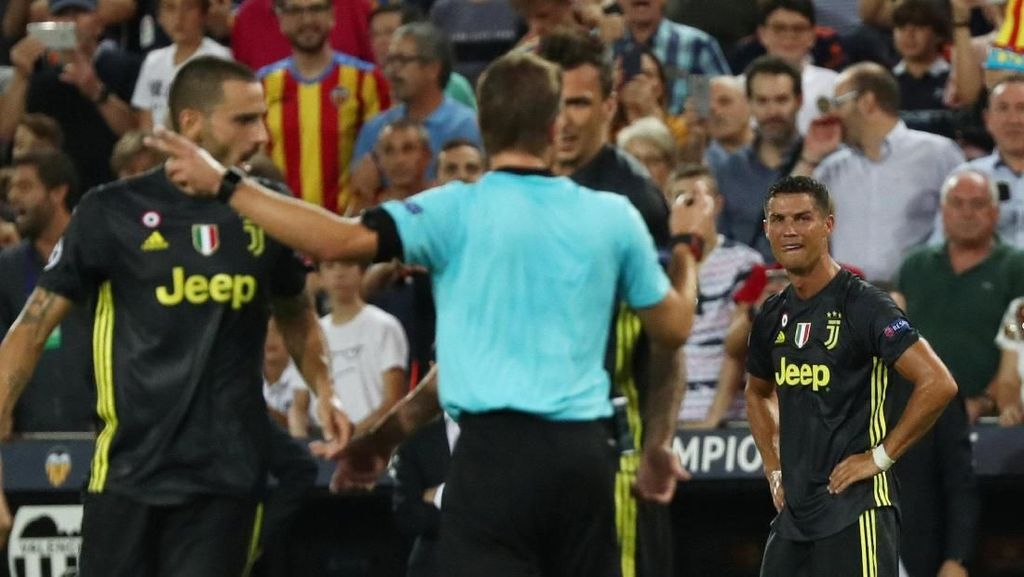 Tangis dan Kartu Merah Ronaldo di Markas Valencia