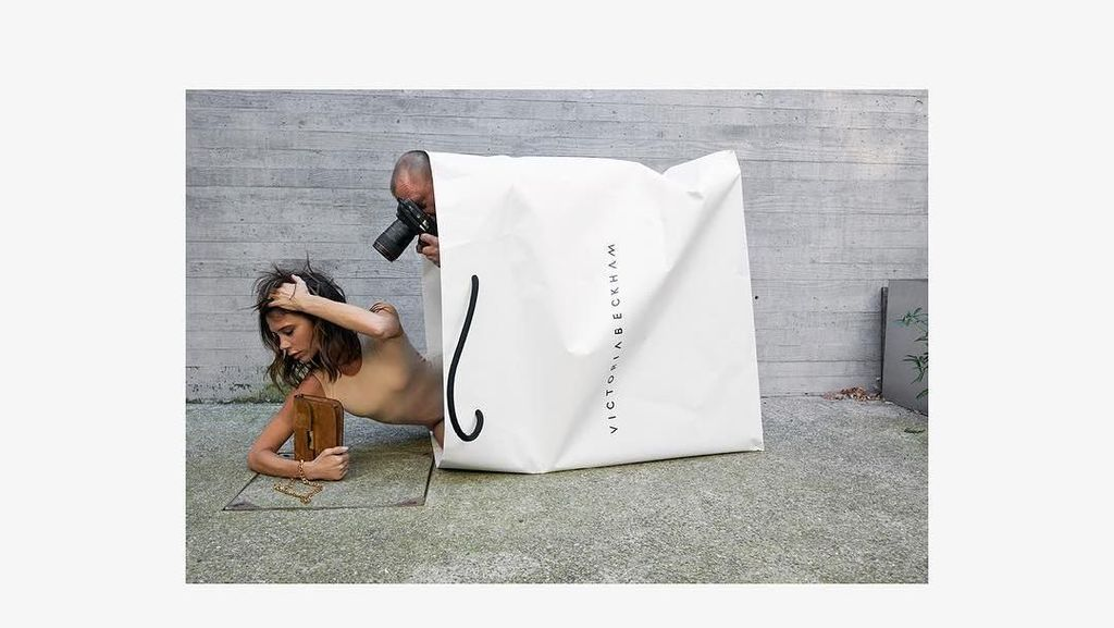 Kocak, Saat Pose Foto Victoria Beckham Diledek Netizen di Instagram