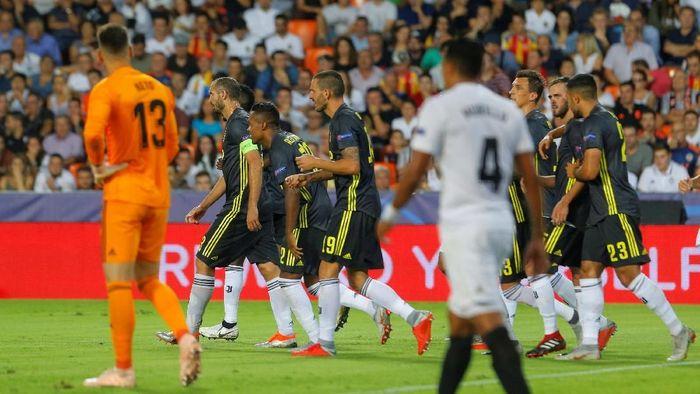 Juventus menang 2-0 di kandang Valencia (Heino Kalis/REUTERS)