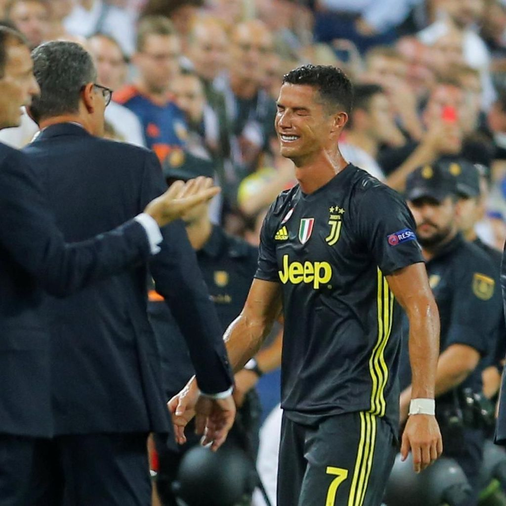 Valencia vs Juventus: Cristiano Ronaldo Dikartu Merah!
