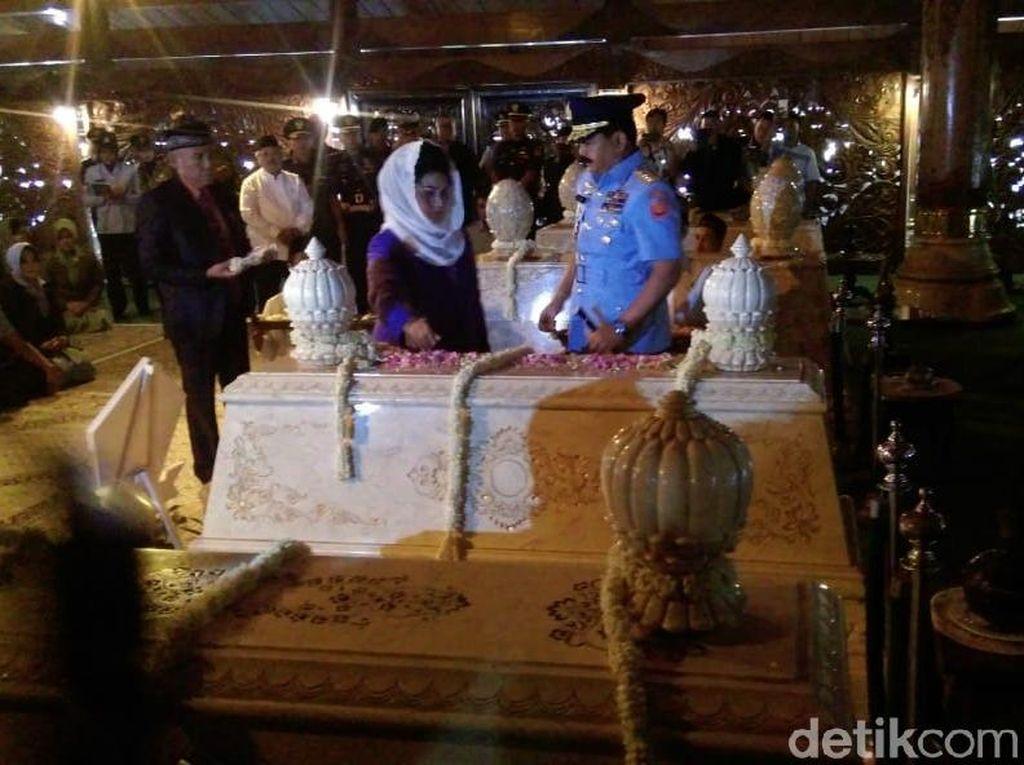 5 Fakta Astana Giribangun, Makam Soeharto Hingga Jadi Obyek Wisata Religi