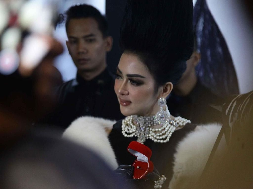 Krisdayanti Tahu Kabar Pernikahan Syahrini-Reino, tapi Tak Diundang