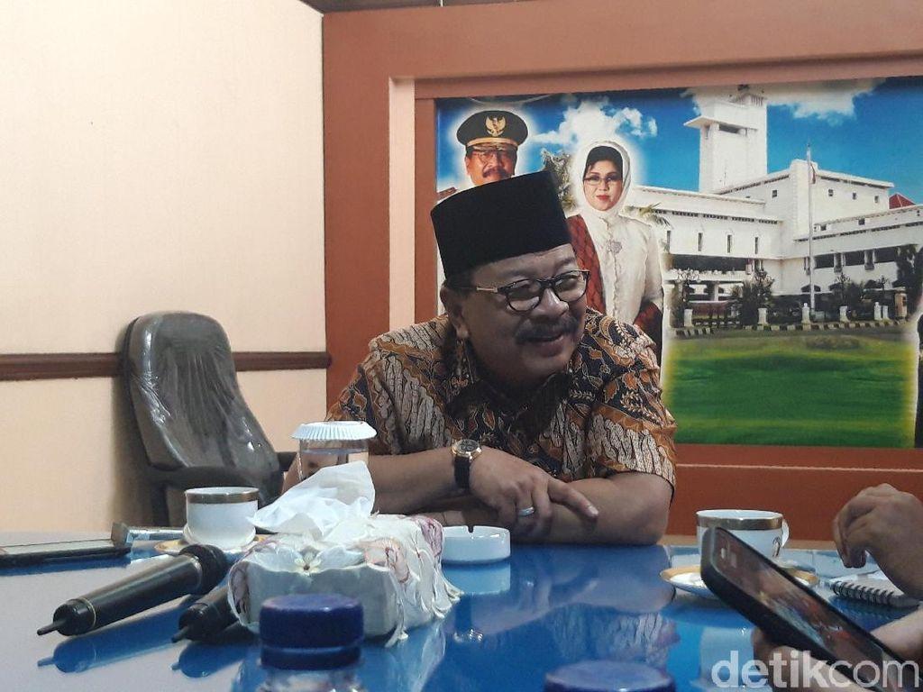 Bupati Rendra Diselidiki KPK, Ini Respons Pakdhe Karwo