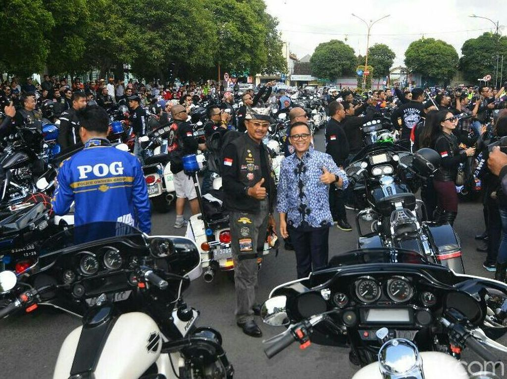 Mampir Banyuwangi, Club Harley Davidson Diajak Goyang Dayung