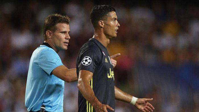 Kartu merah Cristiano Ronaldo akan diselidiki UEFA (Manuel Queimadelos Alonso/Getty Images)