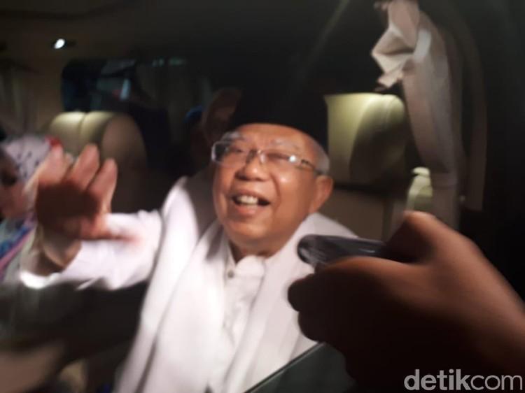 Tiba di Rumah Aspirasi, Maruf Amin Langsung Disalami Pendukung