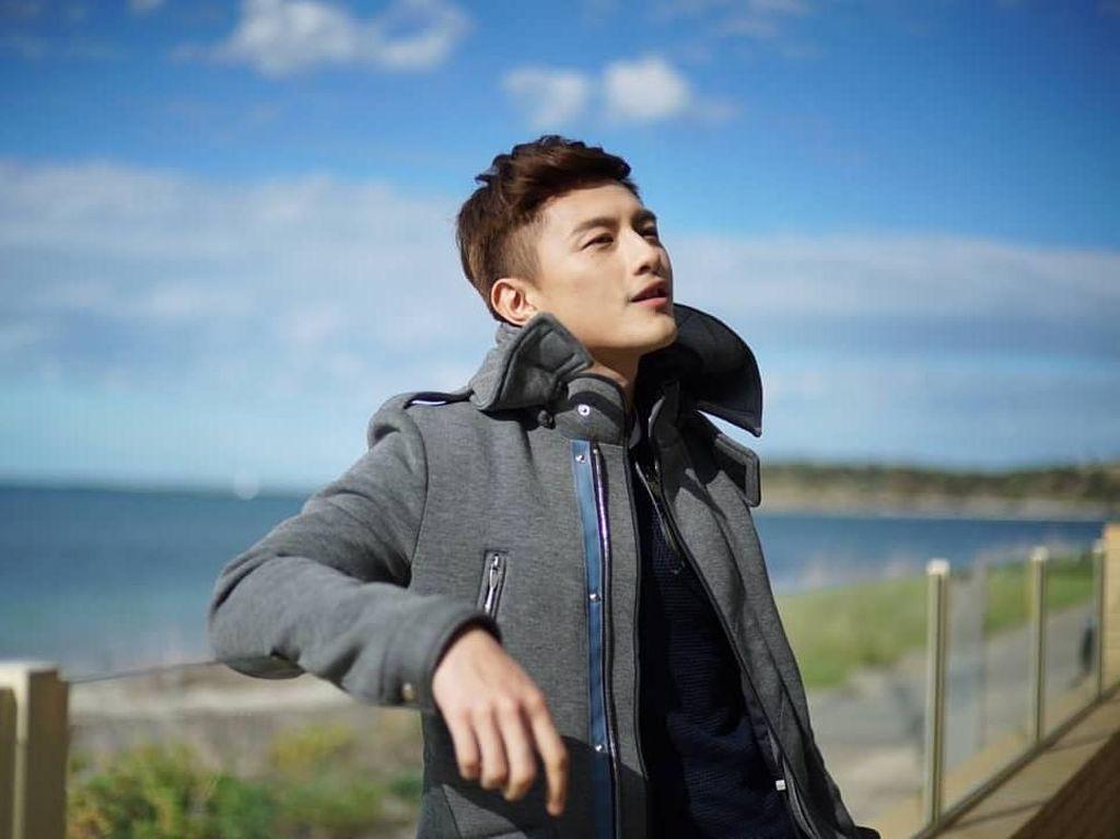 Liburannya Aktor Ganteng Singapura, Shane Pow