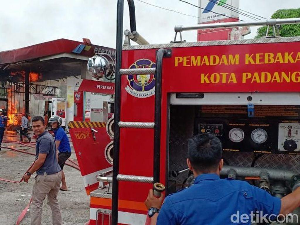SPBU di Padang Terbakar Saat Petugas sedang Isi Jeriken
