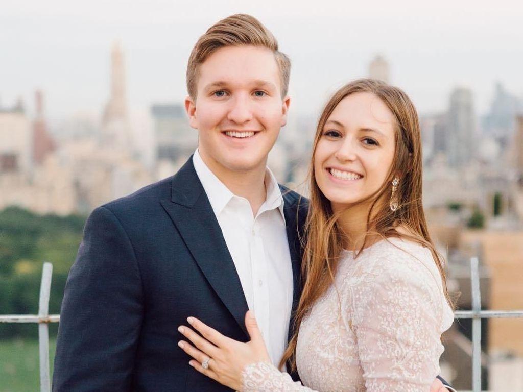 Potret Pasangan yang Keliling Dunia Gratis Pakai Poin Kartu Kredit