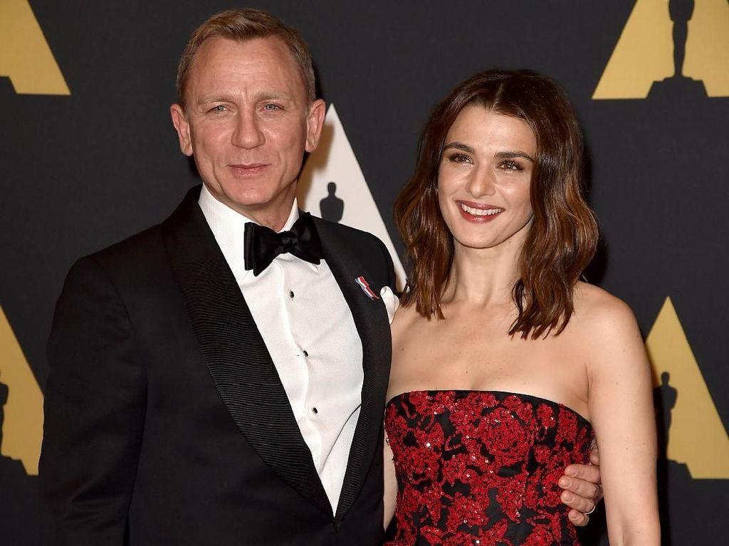 Rachel Weisz dan Daniel Craig Menyambut Bayi Perempuan