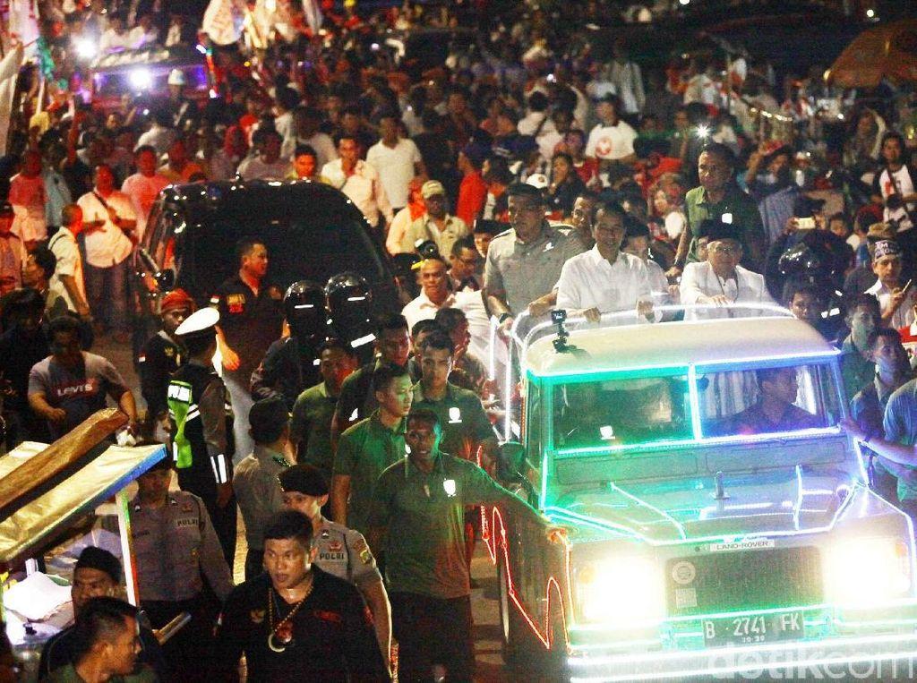 Menuju KPU, Jokowi-Maruf Amin Naik Land Rover Rias
