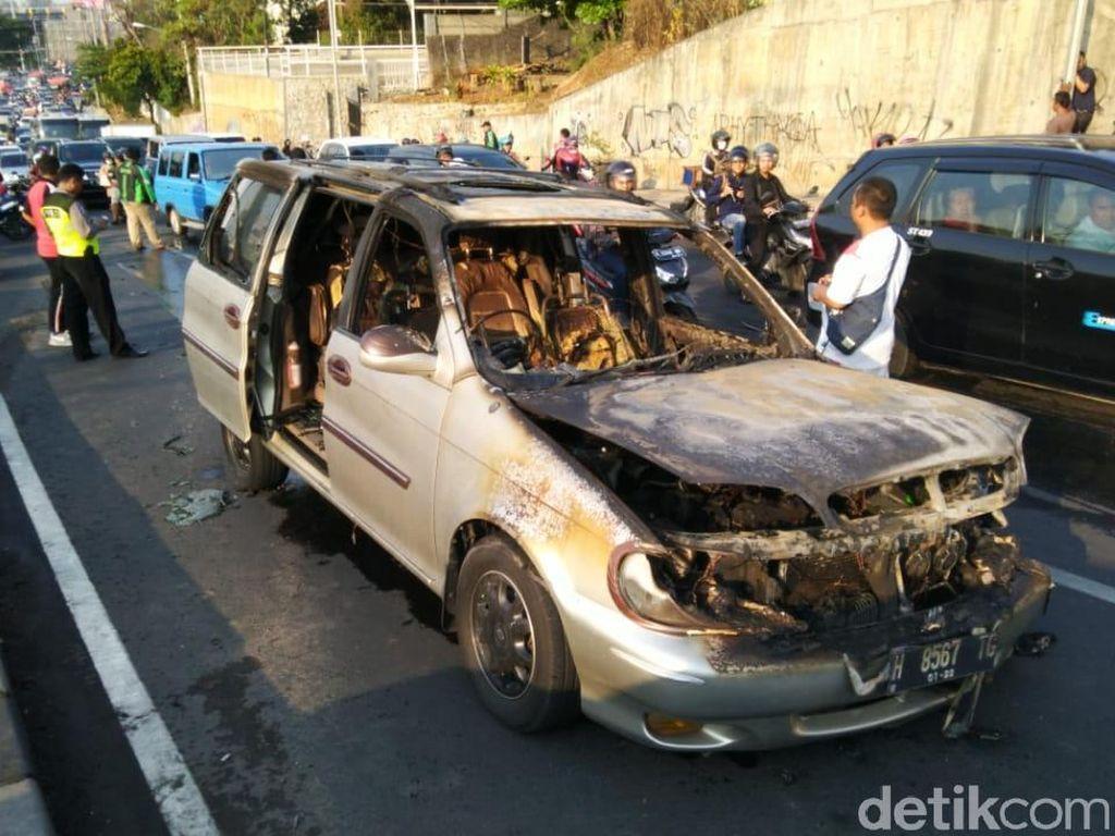 2 Kecelakaan Terjadi Hampir Bersamaan di Semarang, 1 Tewas