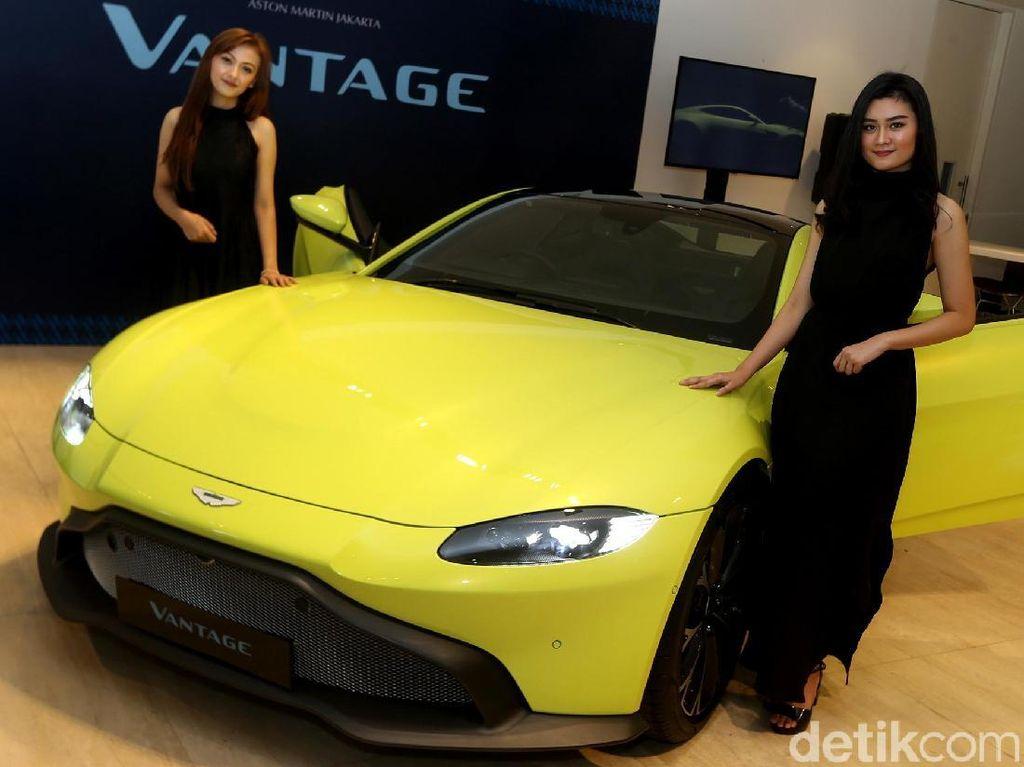 Rupiah Loyo, Aston Martin Masih Tahan Harga