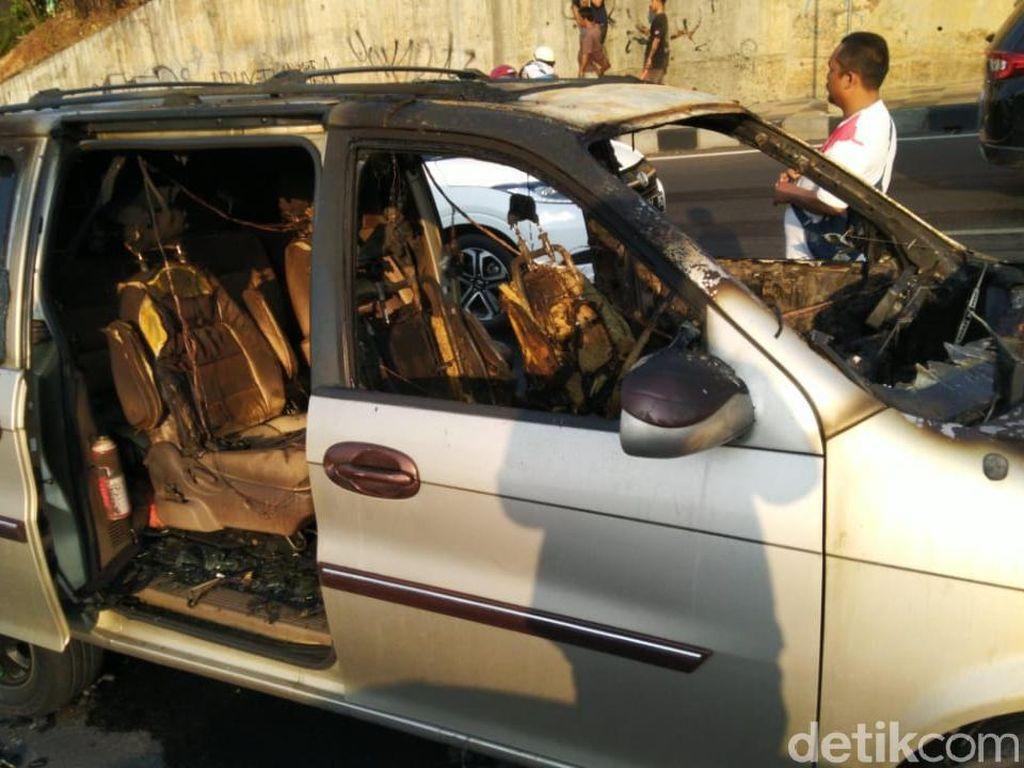 Korban Tewas Kecelakaan di Semarang adalah Pemilik Mobil Terbakar
