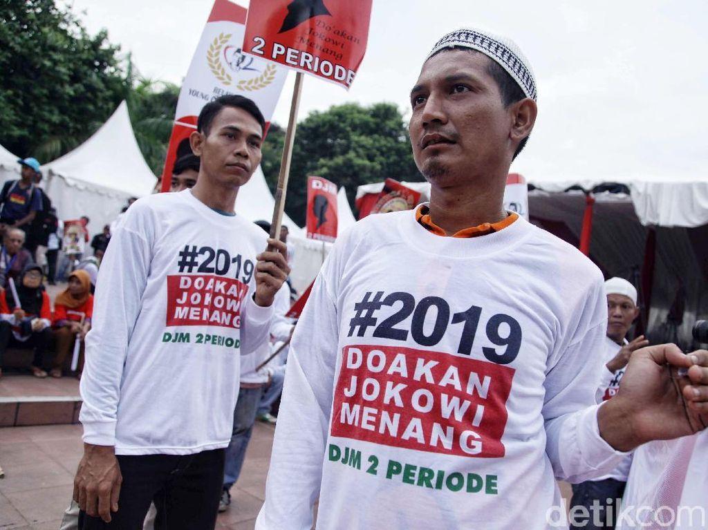 Relawan Jokowi-MaRuf Amin Mulai Menyemut Tugu Proklamasi