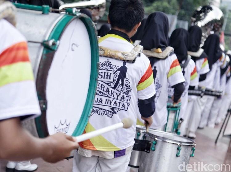 Laris Manis Tanjung Kimpul, Baju Jokowi Jadi Buruan