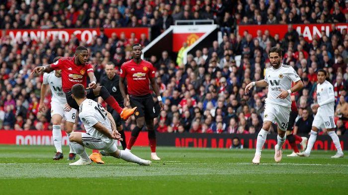Manchester United unggul 1-0 atas Wolverhampton Wanderers di babak pertama (Foto: Andrew Yates/Reuters)