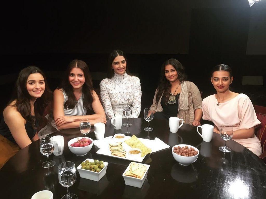 Manisnya Alia Bhatt Saat Rayakan Ulang Tahun Ayahnya dan Makan Cake