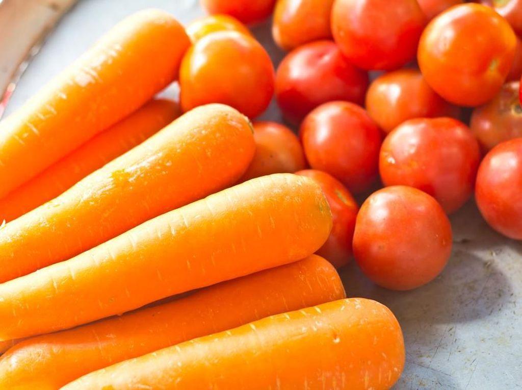Deretan Manfaat Vitamin yang Terkandung pada Wortel dan Tomat