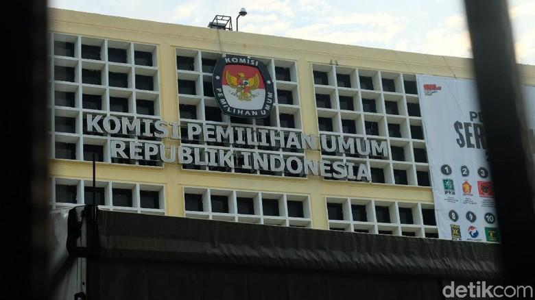 KPU Tunda Umumkan Caleg Eks Napi Korupsi Malam Ini