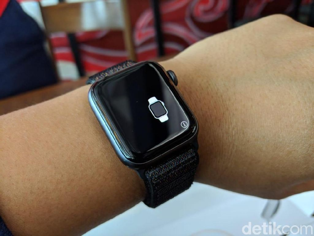 Apple Watch Akan Punya Kamera?