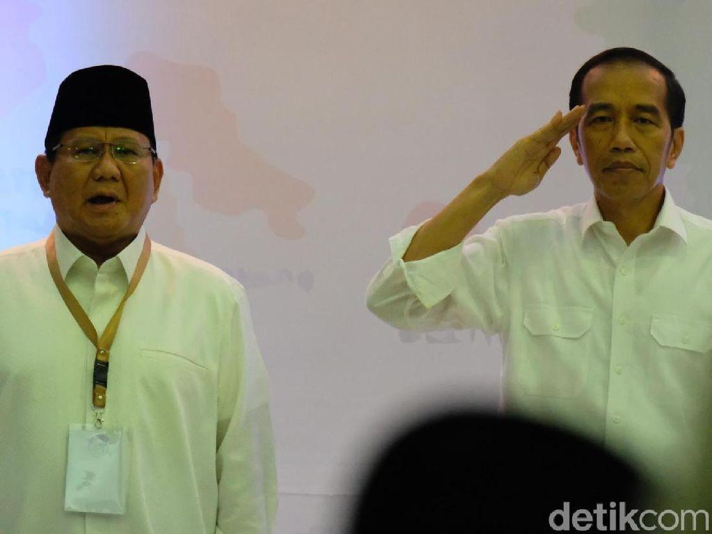 Melihat Lagi Sikap Hormat Jokowi yang Jadi Kontroversi