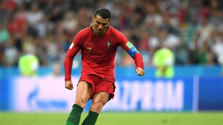 10 Eksekutor Free Kick Terbaik, Ronaldo-Messi Nomor Berapa?