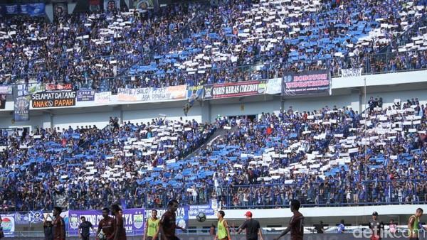 Jokowi: Jangan Sampai Fanatisme Sepakbola Kebablasan
