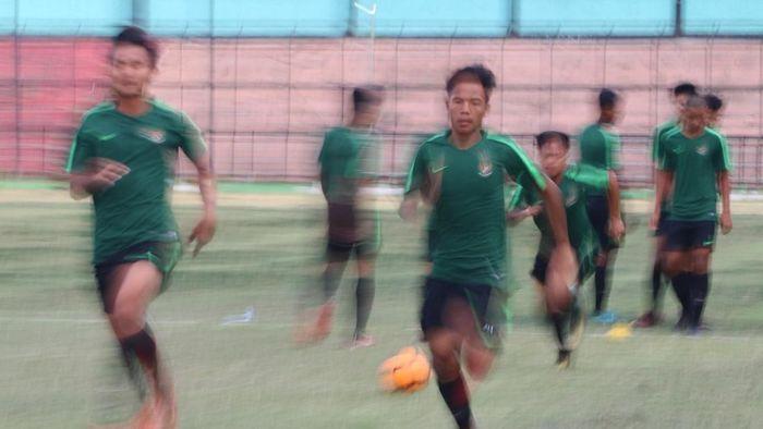 Jadwal Indonesia vs Vietnam di Piala Asia U-16 hari ini (ANTARA FOTO/Irsan Mulyadi)