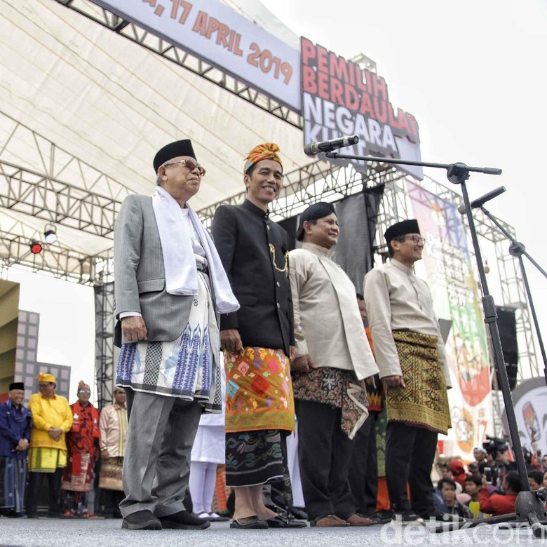 Jokowi-Amin vs Prabowo-Sandi Terpisah 20% di Survei