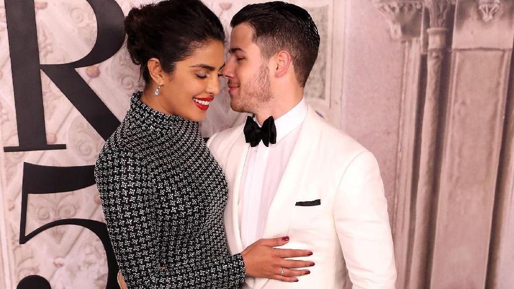Priyanka Chopra Makin Mesra dengan Nick Jonas