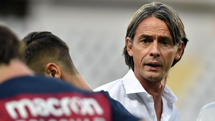 TURIN, ITALY - AUGUST 26:  Bologna FC coach Filippo Inzaghi looks on during the serie A match between Frosinone Calcio and Bologna FC at Olimpico Stadium on August 26, 2018 in Turin, Italy.  (Photo by Giorgio Perottino/Getty Images)
