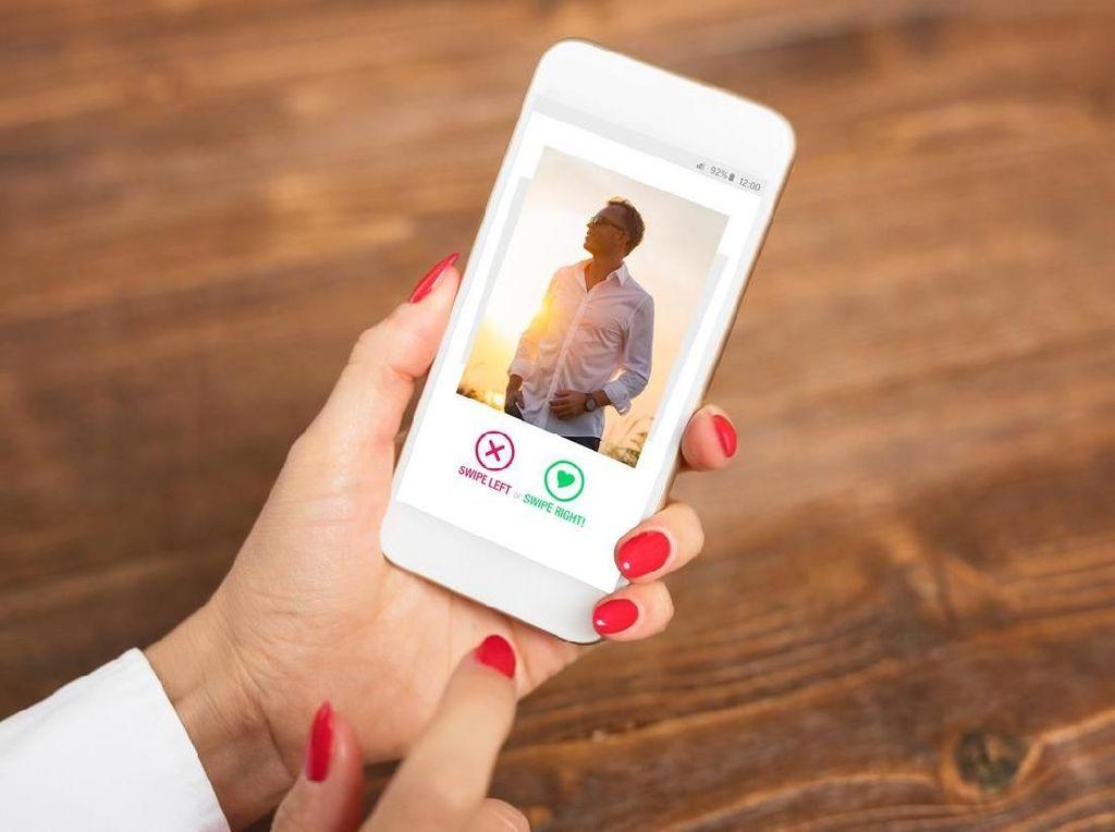 Wanita Ini Dibayar Rp 21 Juta Untuk Ngobrol dan Dapat Pasangan di Tinder