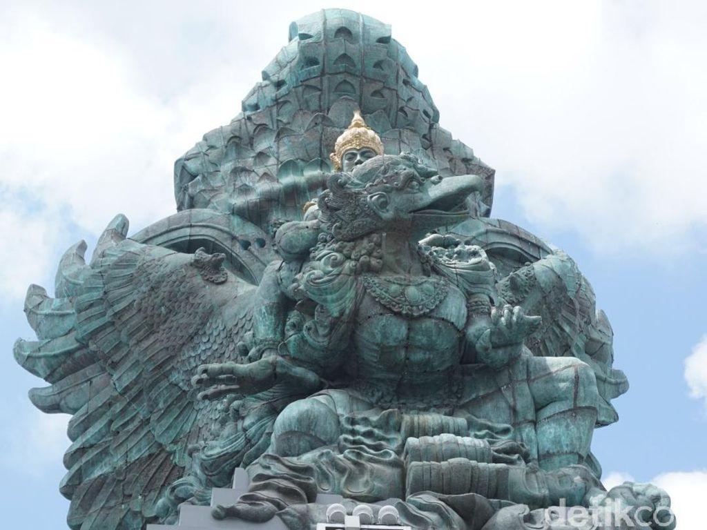 Foto: Megahnya Patung Garuda Wisnu Kencana