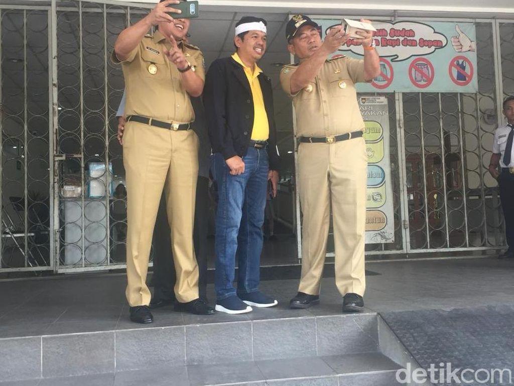 Wali Kota Bekasi Bahas Pemenangan Jokowi di SMPK Penabur