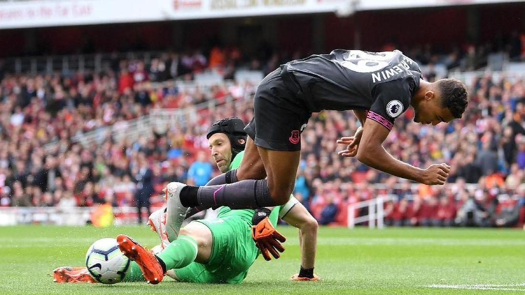 Kegemilangan Cech Krusial dalam Kemenangan Arsenal