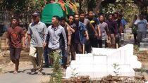 Potret Pemakaman Suporter Persija yang Tewas Dikeroyok Oknum Bobotoh