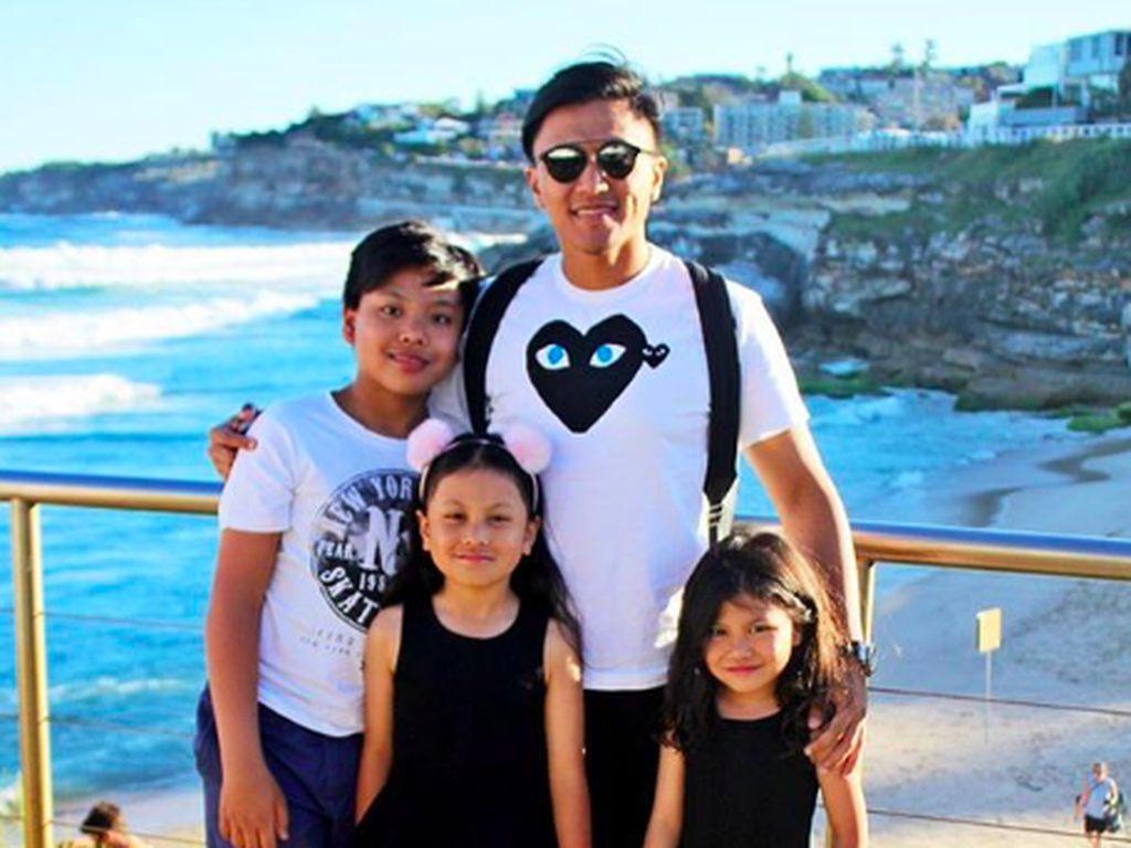 Kenalan dengan 3 Keponakan Denada yang Manis-manis